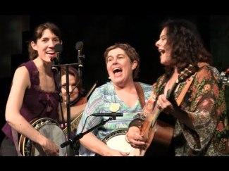 3-women-banjo