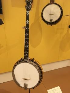 pretty banjo