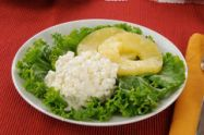 plate-cottage-cheese-25961453