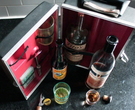 Vintage-travel-bar-kit