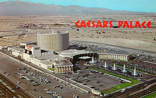 Caesars_Palace_in_1970