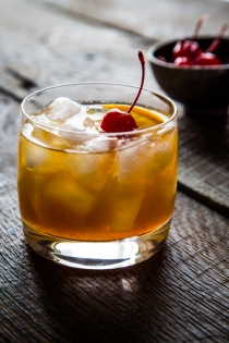 Maple-Bourbon-Cocktail-www.jellytoastblog.com-1-of-4
