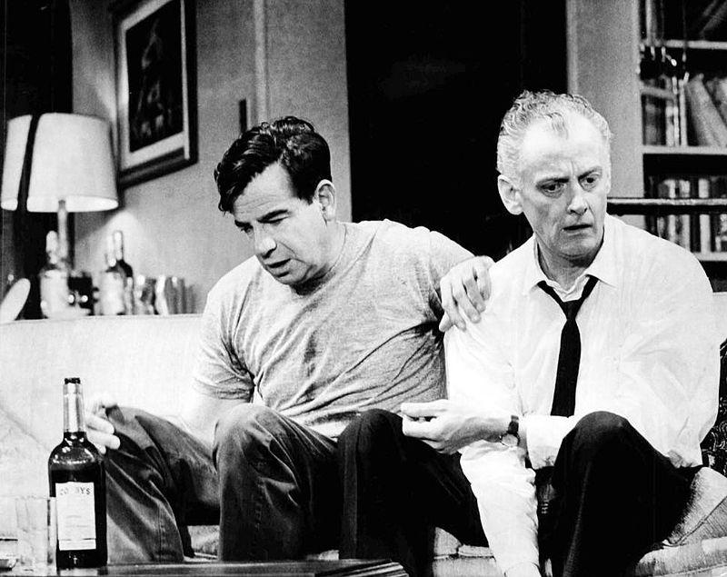 800px-Walter_Matthau_Art_Carney_The_Odd_Couple_Broadway_1965